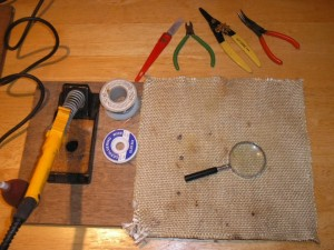 Tools for manually soldering SMD