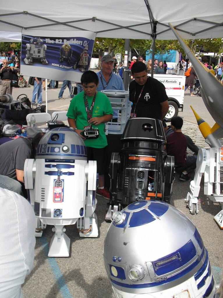 R2 D2 Builders